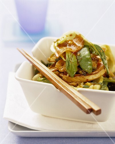 Hot and sweet stir-fried chicken and vegetables