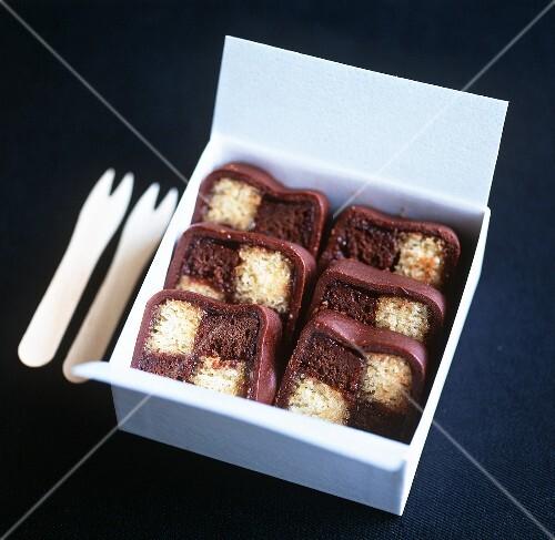 Battenberg cake (two-coloured cake, UK)