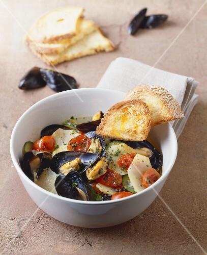 Zuppa di patate e cozze (Potato soup with mussels)