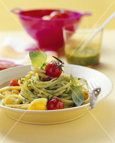 Linguine with lettuce pesto and cherry tomatoes