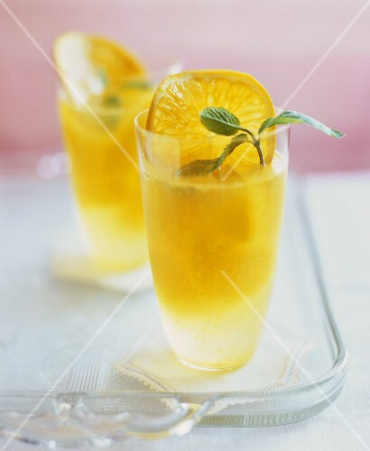 Tangerinen-Punsch mit Minze