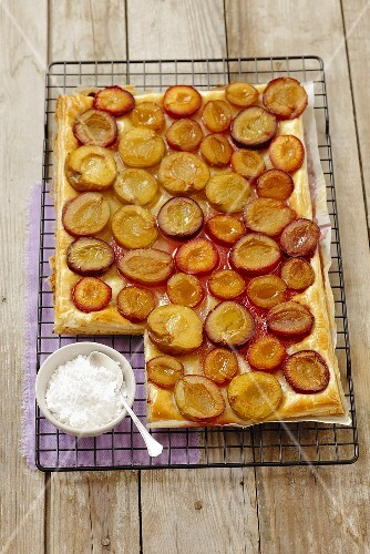 Puff pastry cake with plums