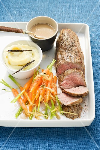 Veal fillet with cognac sauce and cardamom carrots