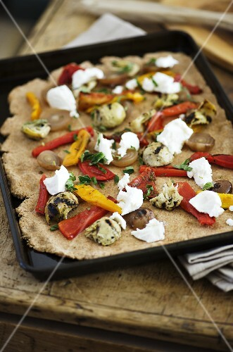 Wholemeal pizza topped with grilled vegetables & ricotta (unbaked)