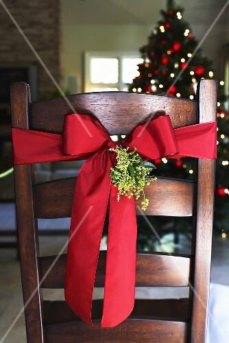Weihnachtsdeko Stuhl.Stuhl Mit Weihnachtsdeko Bilder Kaufen 368027 Stockfood