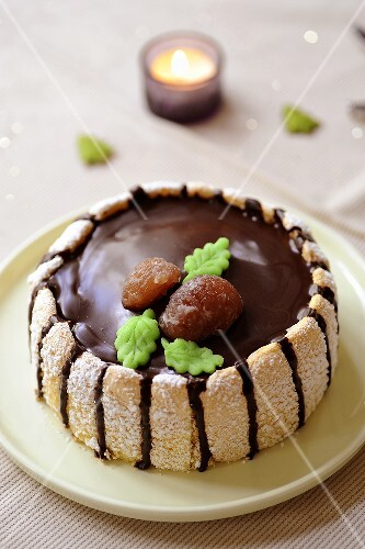 Chestnut cake with sponge fingers and glazed chestnuts