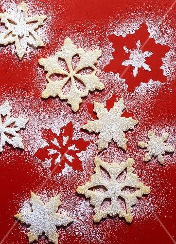 Shortbread (snowflakes) with icing sugar