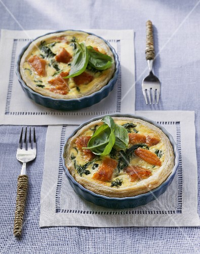 Salmon and spinach quiches
