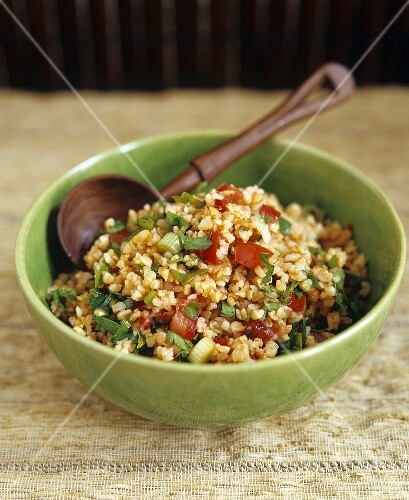 Bulgur and tomato salad