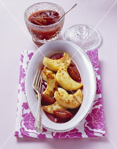 Semolina slices with damson sauce