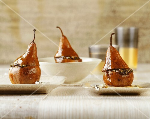 Roasted pears with chocolate pesto
