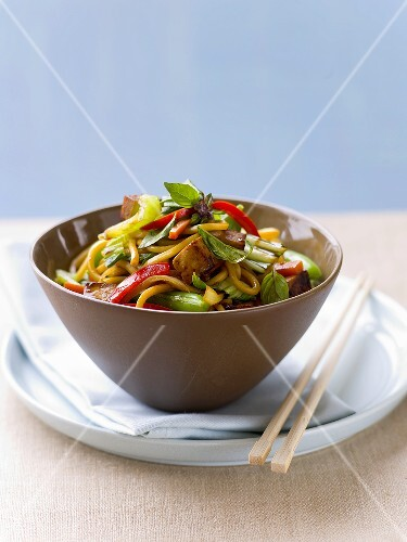 Egg noodles with stir-fried vegetables