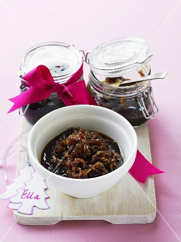 Onion chutney to give as a gift