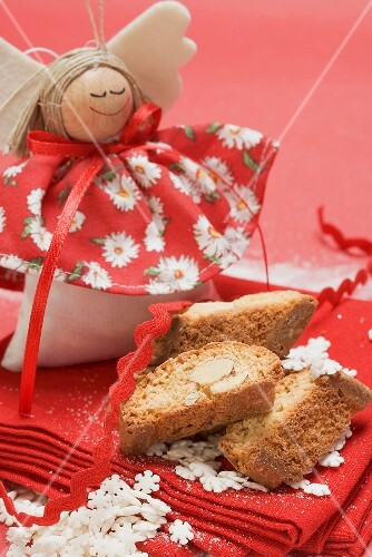 Cantucci di Natale (Cantucci with Christmas decoration, Italy)