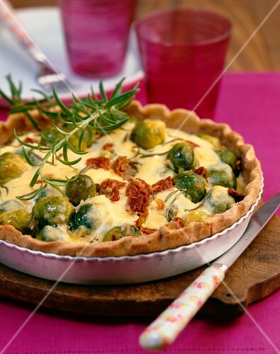 Brussels sprouts quiche with ricotta and dried tomatoes