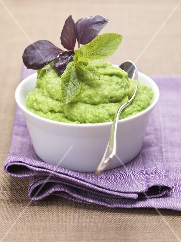 Pea puree with basil and mint