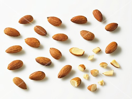 Shelled almonds, whole and pieces