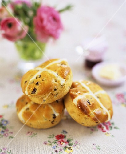 Hot cross buns (Easter speciality from England)