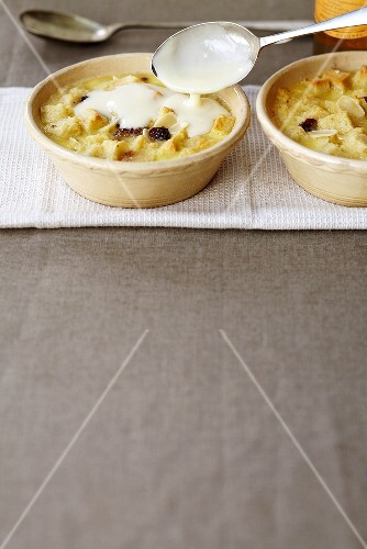 Apple bread puddings with custard