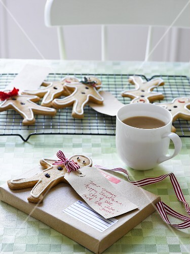 Gingerbread men to give as gifts