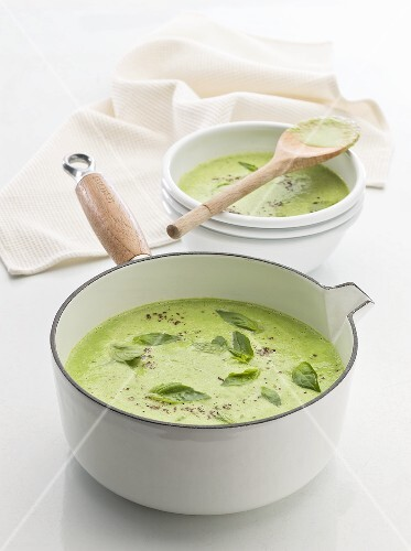 Pea soup with basil