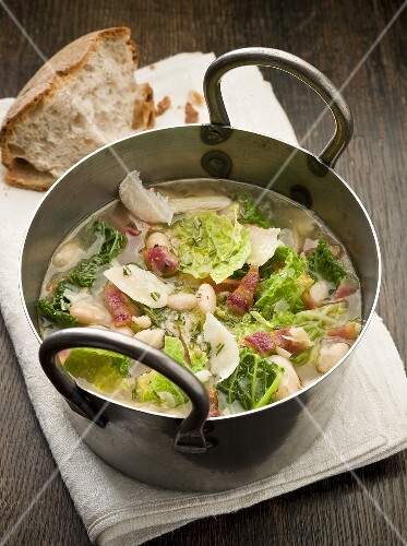 Ribollita (Cabbage and bean soup with bacon, Italy)