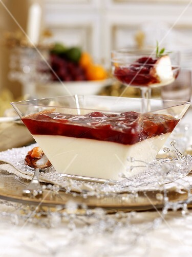 Christmas panna cotta with strawberries and champagne