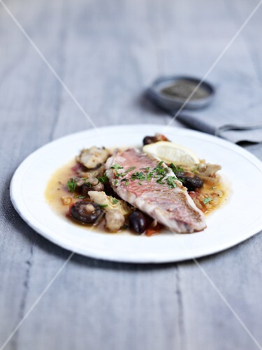 Pan-fried red snapper with artichokes
