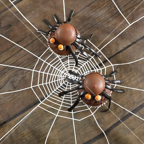 Spinnencupcakes für Halloween