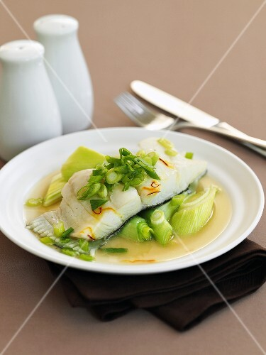 Halibut fillet with leeks and saffron