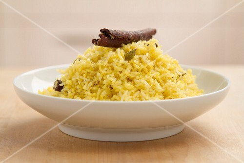 Saffron rice with cinnamon and cardamom