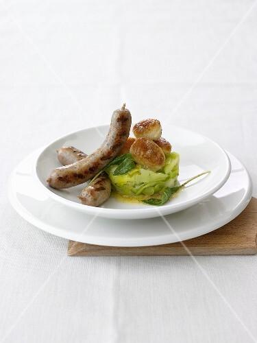 Salsiccia die Montalcino mit Salbeibutter, Pfefferlauch und Kartoffeln
