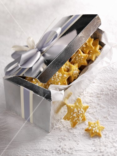 Vanilla–citrus stars as a gift