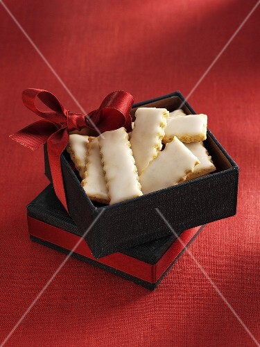 Pariser Stangerl (Austrian Christmas biscuits) as a gift