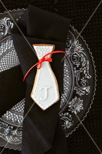 A shortbread biscuits as napkin decoration