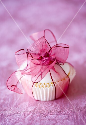 Cupcake tied with ribbon