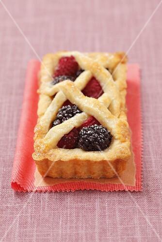 Blackberry-raspberry tart