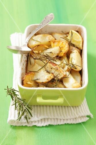 Roast potatoes with lemon and rosemary