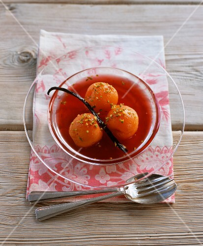 Vanilla apricots poached in rosé wine