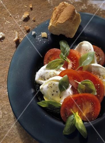 Insalata caprese (tomatoes with mozzarella and basil)
