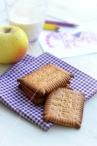 Pomme et biscuits petit-beurre