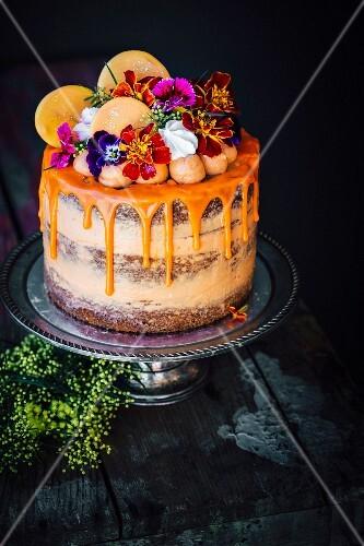 Karotten Orangen Kuchen Mit Baiser Und Bilder Kaufen 60318169