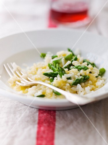 Risotto with green asparagus tops