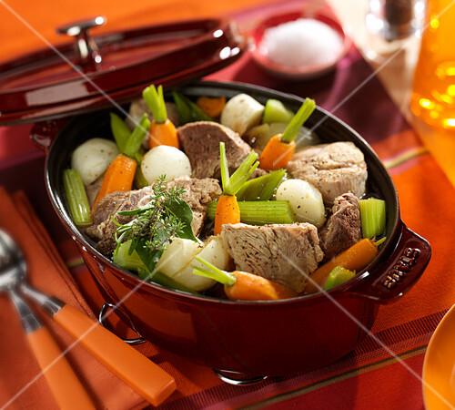 Pot Au Feu Rindfleisch Gemüse Eintopf Bilder Kaufen 60359041