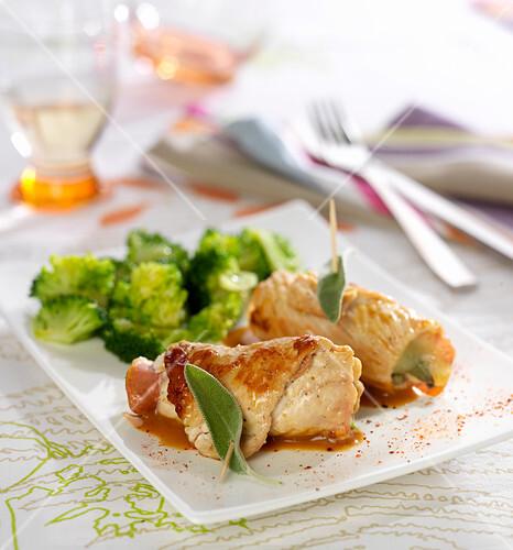 Turkey, mozzarella, raw ham and sage Saltimbocca, steamed broccolis