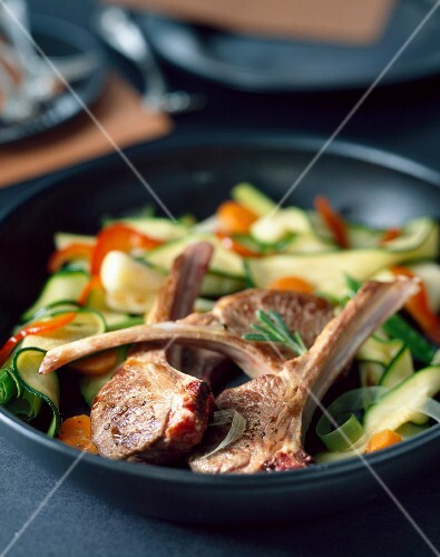 Lamb chops with courgettes and peppers