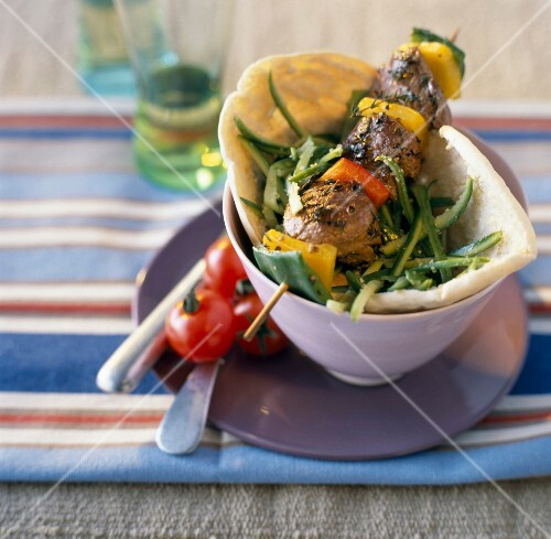 Meat kebab with pitta bread