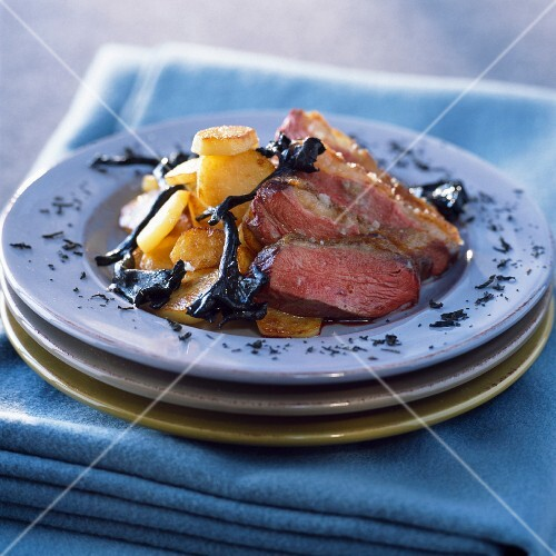 Smoked duck with chinese tea