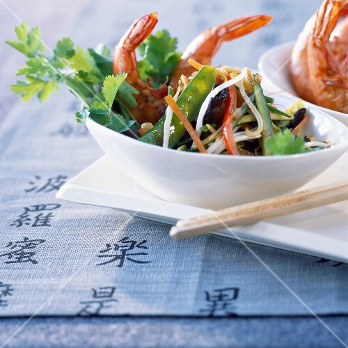 Pan-fried mediterranean prawns with chinese vegetables
