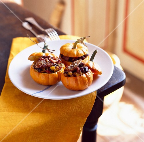 Pattypan squash stuffed with liver
